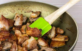 How to Deglaze a Pan in 7 Simple Steps