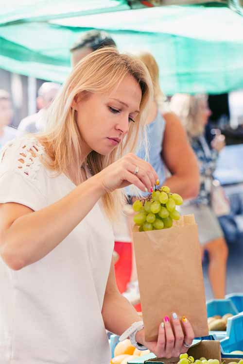 Shopping for Grapes at the Farmers Market | Foodal.com