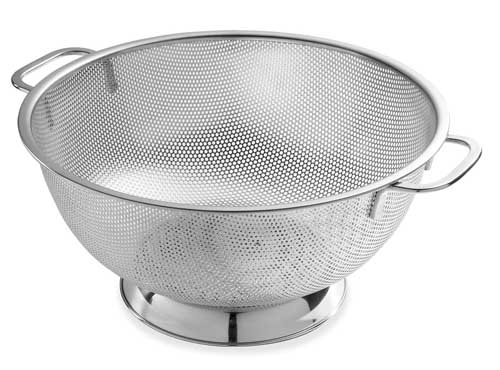 Bellemain Micro-perforated Stainless Steel 5-Quart Colander | Foodal.com