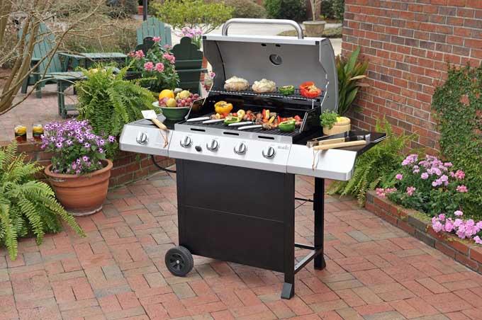 Char-Broil Classic 4-Burner Gas BBQ Grill | Foodal.com