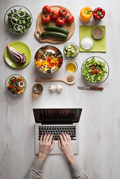 Thinking of doing some home cooking to improve your health or finances, but never seem to make a start? Don't have enough time, too tired to clean up, or just don't know how? We've got you cover. Use these tips to help you cash in on this smart habit – and make it easy to start eating healthy today! https://foodal.com/knowledge/paleo/can-start-cooking-home-simple-steps/