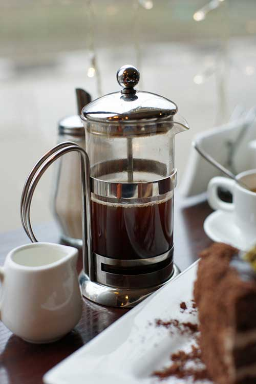 Looking for a richer cup of coffee than your current brewer makes? Choose one of Foodal's top French press picks for a full-bodied cup. https://foodal.com/drinks-2/coffee/french-press/how-to-pick-a-french-press-coffee-maker/