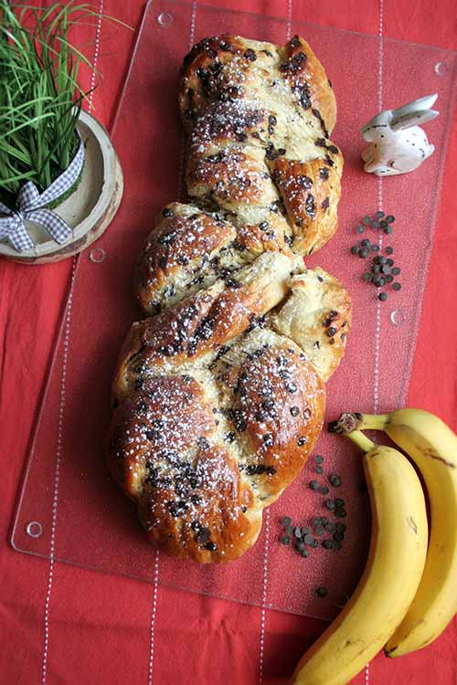 A slice of fluffy braided bread? It's a piece of heaven! Try this recipe, combining irresistible flavors of banana and chocolate. Learn to make it here at Foodal: http://foodal.com/recipes/breads/chocolate-banana-yeast-bread/