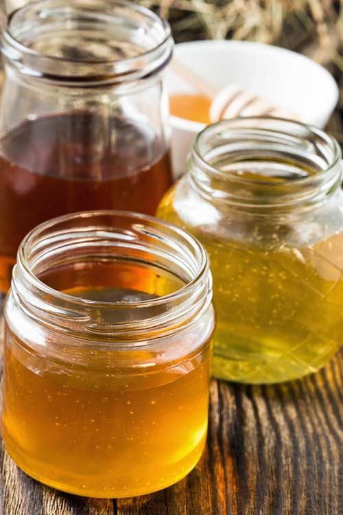 "In today's society that depends on everything being ""homogenized"" and exactly the same, many folks don't realize there are many types and varieties of delicious honey. Find out more about this gold nectar now. https://foodal.com/knowledge/paleo/honey-types-and-healing-properties/‎"