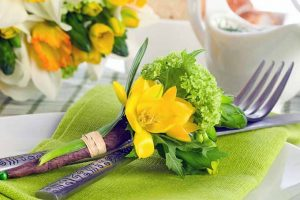 Springtime Table Setting is A Breeze with These Simple Tips