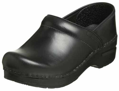 a6afc17ceafde These clogs also come in solid colors like black for those who need to don  a more professional work uniform.