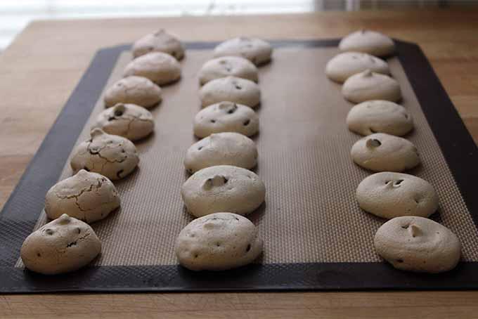 Vegan meringue cookies with aquafaba as the main ingredient. https://foodal.com/recipes/desserts/vegan-eggless-meringues/