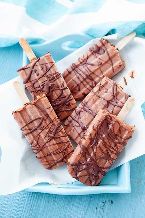 Learn to make your own paletas at home with Michele Sponagle's tricks and tips. Read more on Foodal: https://foodal.com/knowledge/paleo/mexican-paletas/