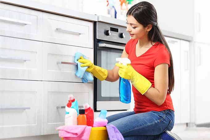 Kitchen Cabinet Cleaning Part - 17: Top Tips To Clean Kitchen Cabinets | Foodal.com