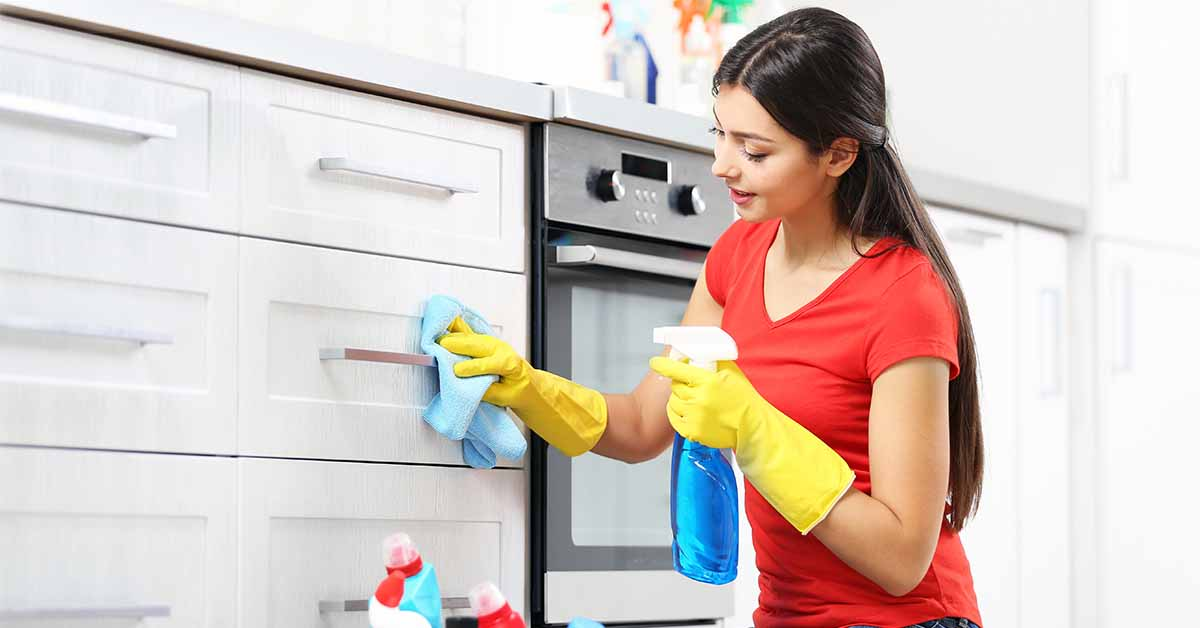 Your Ultimate Guide to Cleaning Kitchen Cabinets and Cupboards