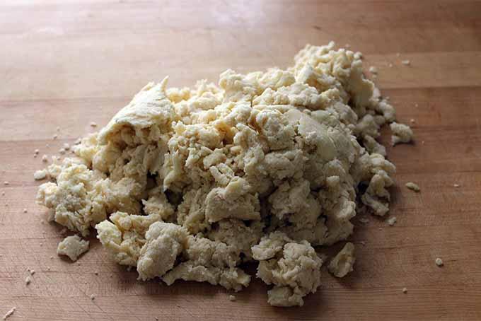 Crumbly Pie Dough | Foodal.com