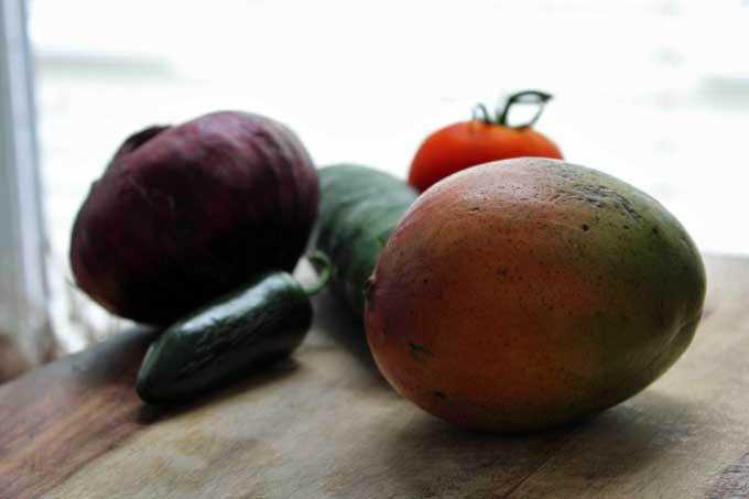 Fresh Mangoes | Foodal.com