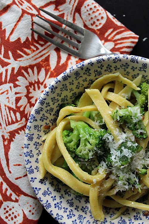 Enjoy this simple and tasty vegan friendly broccoli & garlic sauce over your favorite noodles. Click through to get the recipe: https://foodal.com/recipes/sauces/broccoli-garlic-sauce/