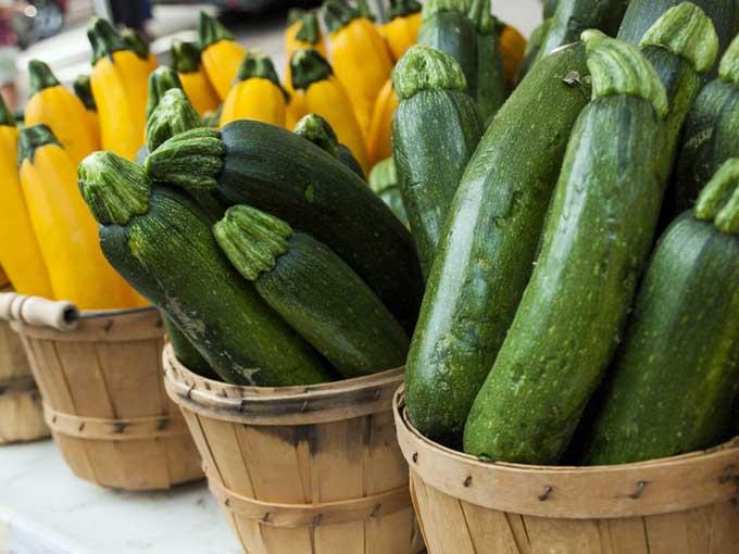 Summer squash at a framer's market | Foodal.com