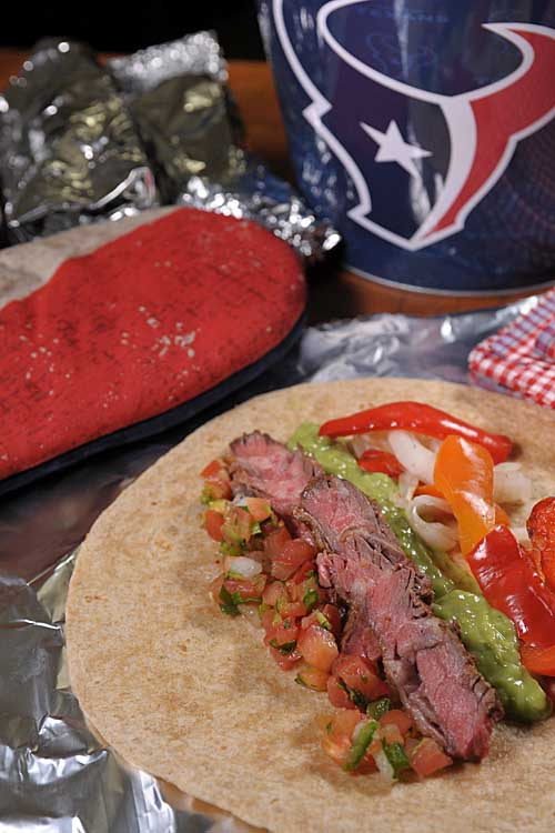 Want a superway to celebrate gameday? If so, try grilling your own Tex-Mex Arrechera Fajitas. Get the recipe now! http://foodal.com/recipes/beef/the-best-arrachera-fajitas/