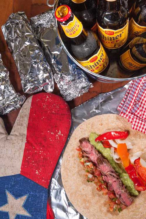 Looking for a great fajita recipe for game day? If so, try out these [nearly] authentic Arrachera Fajitas now! They are great for the backyard or tailgating. http://foodal.com/recipes/beef/the-best-arrachera-fajitas/