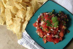 Fresh and Simple Salsa: Homemade Pico de Gallo