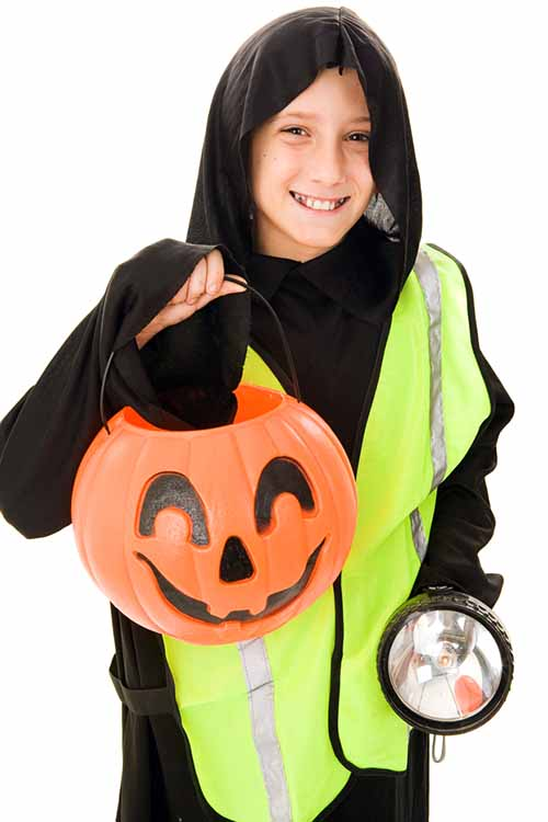 Children who need to avoid sugar or major food allergens can have a fun Halloween too- check out our tips: https://foodal.com/holidays/halloween/fun-for-kids-with-food-allergies/