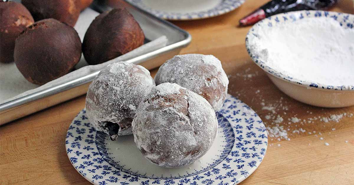 Make Your Own Jelly-Filled Berliner Doughnuts at Home | Foodal