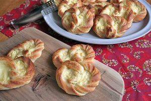 Puddingbrezel: A Classic German Pastry