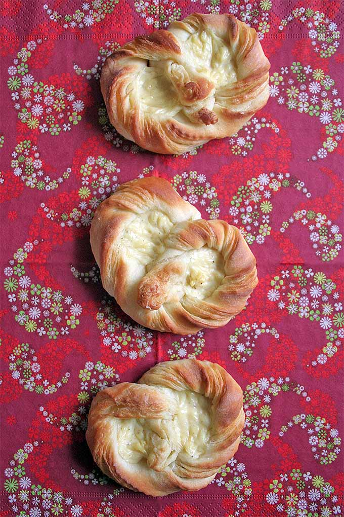 If you're in a German baking mood, try making Puddingbrezels! They're a pretzel-esque, Danish-like pastry filled with sensuous vanilla pudding. Learn to make it right here at Foodal: https://foodal.com/recipes/desserts/puddingbrezel-german-pastry/ ‎
