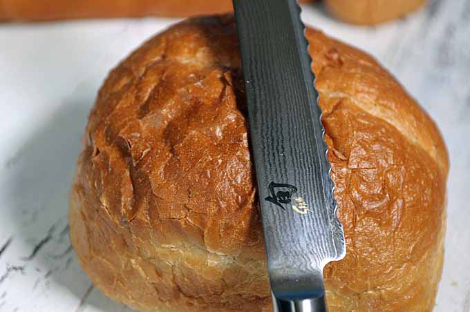 The Shun Classic Bread Knife | Foodal.com