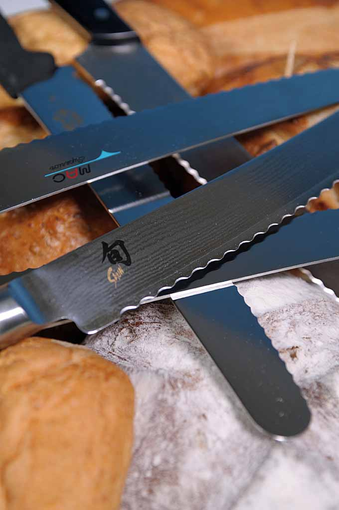 Having a hard time slicing that crusty loaf or slicing squish tomatoes? You need a GOOD bread knife in your life! Read our comprehensive guide now: Do your bread slices turn out squished or ragged? Could be time for a serrated bread knife. Check out these toothy blades for bread, tomatoes and much more! https://foodal.com/kitchen/knives-cutting-boards-kitchen-shears/things-that-cut/bread-knives-reviewed/