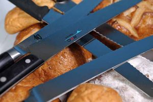 Bread Knives: Serrated Sensations For the Home Cook