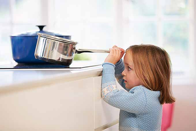 Avoid Kitchen Blunders and Keep Your Kids Safe | Foodal.com