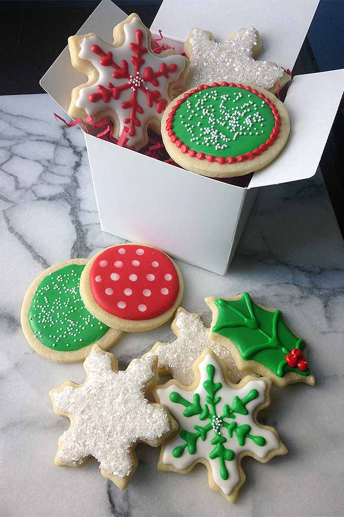 learn how to decorate beautiful holiday cookies with royal icing plus troubleshooting tips https - How To Decorate Christmas Cookies