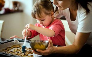 Kids in the Kitchen: 7 Tips for Holiday Cooking with Children