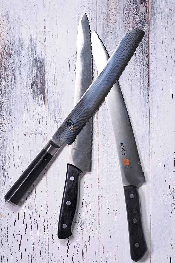 The Japanese style of kitchen knives are some of the sharpest and ergonomic cutting instruments in the world. Their bread knives are no exceptions. Get the full scoop here: https://foodal.com/kitchen/knives-cutting-boards-kitchen-shears/things-that-cut/japanese-guide/
