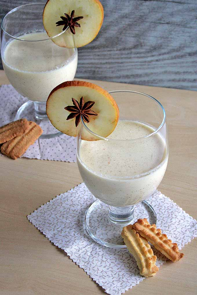 Baked apples aren't just for dessert anymore! Turn this cool-weather classic into a delicious beverage that's perfect for serving first thing in the morning, or after the holiday meal: https://foodal.com/drinks-2/smoothies/baked-apple-smoothie/