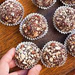 The Best Homemade Hazelnut Dark Chocolate Truffles Recipe | Foodal.com