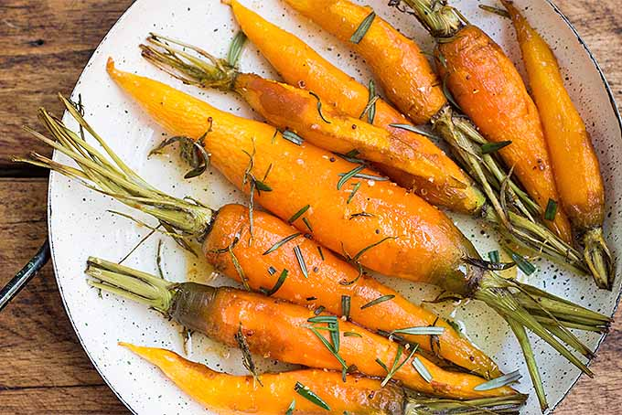 Best Roasted Carrots with Rosemary and Honey | Foodal.com