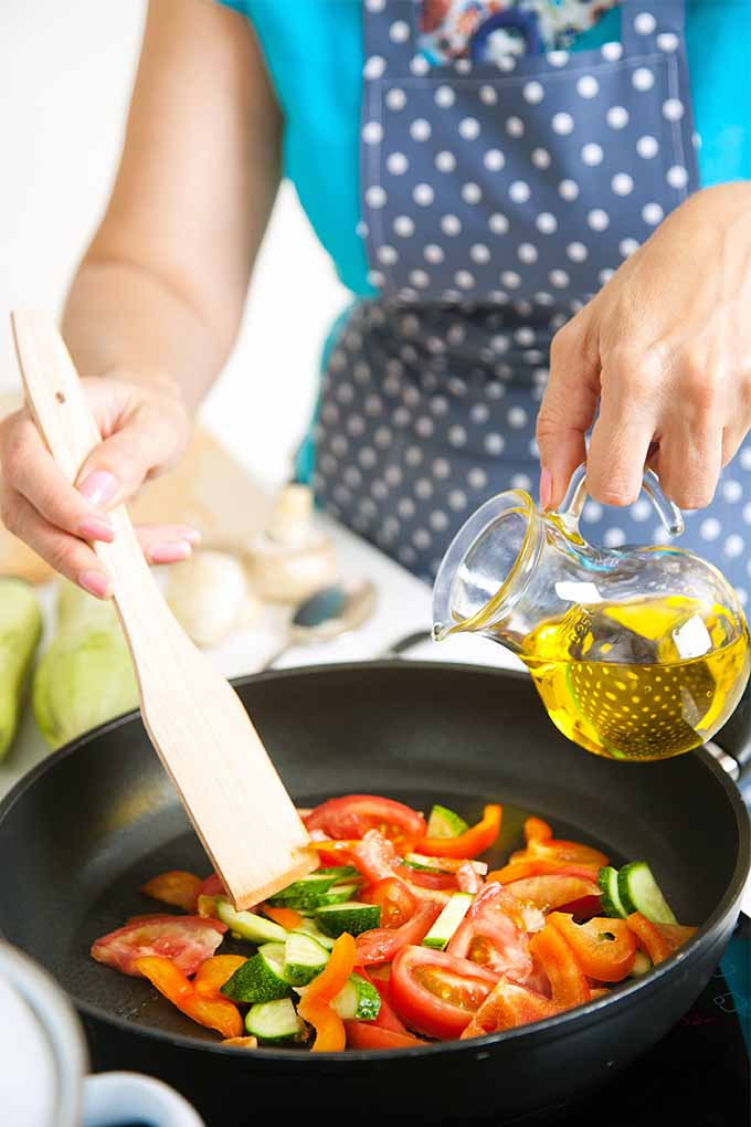 Skip the deep fried and packaged convenience foods in favor of a heart-healthy homemade diet this year. Read our tips: https://foodal.com/knowledge/paleo/healthy-heart-eat-smart/