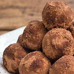 Homemade Holiday Whiskey Truffles Recipe | Foodal.com
