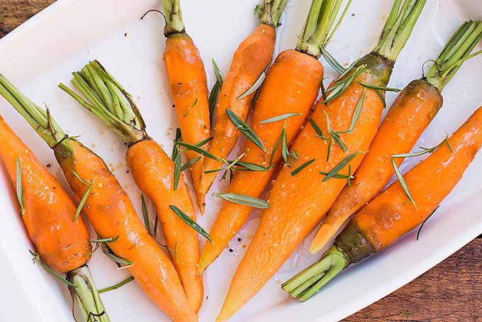 How to Make Roasted Carrots with Rosemary | Foodal.com