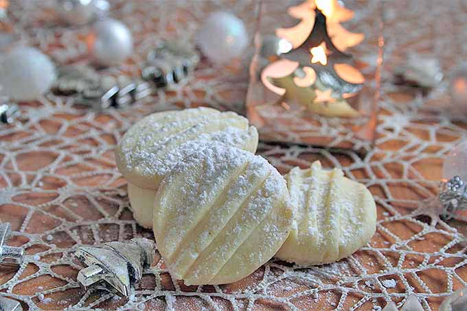 How to Make Snowflake Cookies | Foodal.com