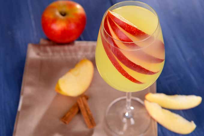 Adding Apples to Your Cocktails   Foodal.com