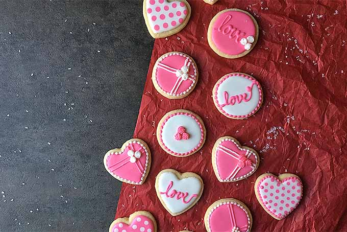 Cookie Decorating for Valentine's Day | Foodal.com