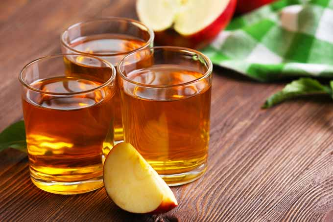 Ways Apples Can Punch Up Your Cocktails   Foodal.com