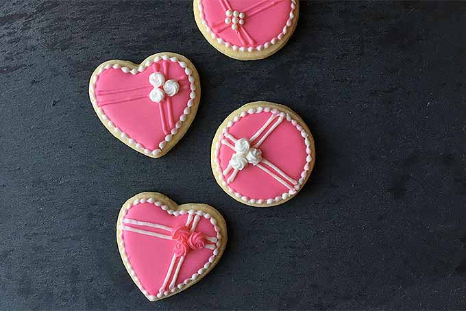 Valentine's Day Cookie Decorating Tips | Foodal.com