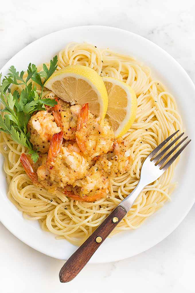 Love seafood? You're really going to enjoy this recipe for a classic buttery shrimp scampi, made in the oven. We share the recipe: https://foodal.com/recipes/fish-and-seafood/classic-buttery-baked-shrimp-scampi/