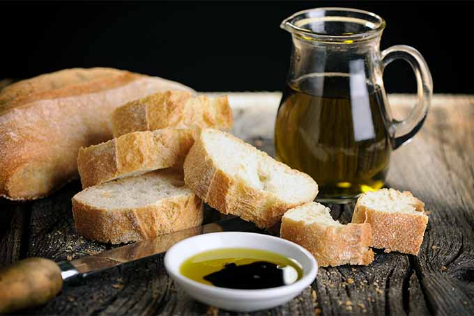 Mediterranean diet of bread and olive oil | Foodal.com