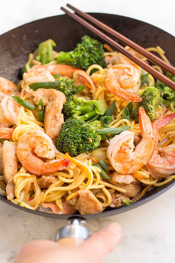 One pan dinner a special chicken and shrimp lo mein foodal want to learn how to make a homemade lo mein dinner get our recipe and forumfinder
