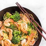 A delicious dish of chicken and shrimp lo mein | Foodal.com