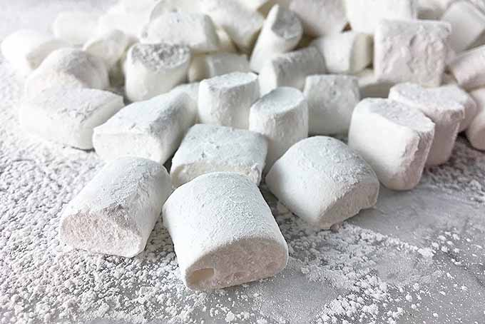 A happy, fluffy mound of homemade mini marshmallows | Foodal.com
