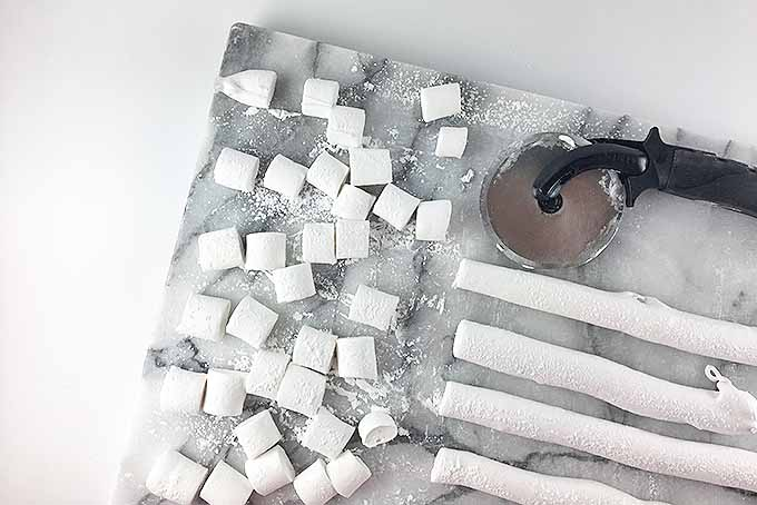 Cutting cute, homemade mini marshmallows | Foodal.com