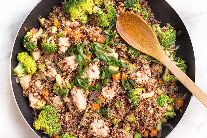 Lemony chicken and veggie quinoa bowl. | Foodal.com